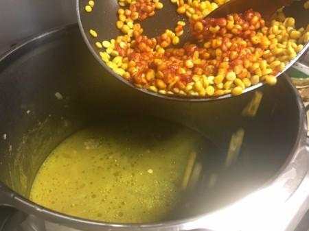 adding tomato paste to split peas
