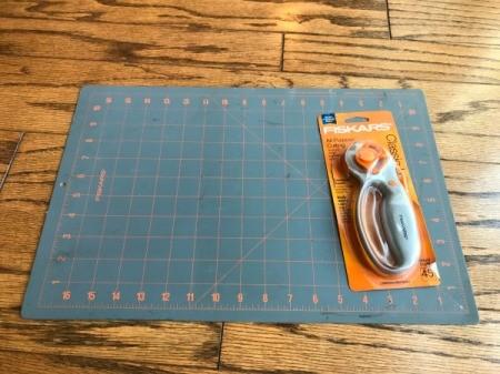 Fabric Garland  - cutting mat and rotary cutter