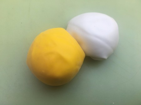 DIY Makeup Beauty Blender - repeat with the second balloon