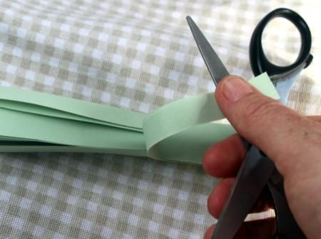 Paper Flower Bouquet - curl paper with edge of scissors