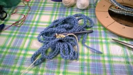 Spiral Yarn Photo Frames - blue chain