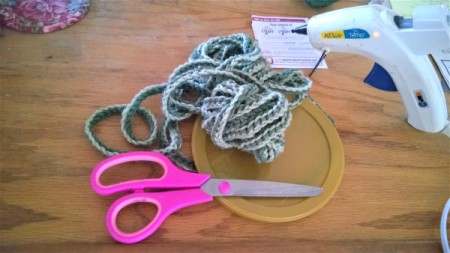 Spiral Yarn Photo Frames - chain and then slip stitch on each chain