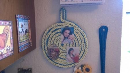 Spiral Yarn Photo Frames - flat spiral with photos