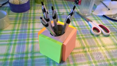 Post-it Note Pen Holder - glue a pad of notes to each side