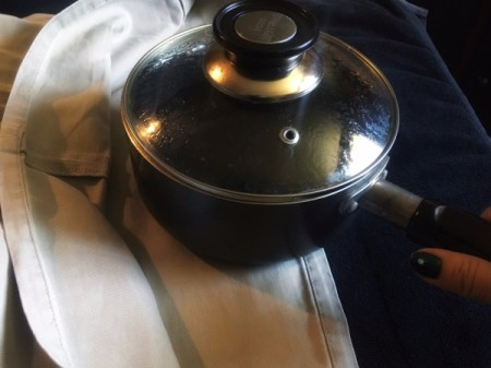 Ironing Clothes Without an Iron - using a pot of boiling water as an iron