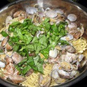 Spaghetti with Clams in pan