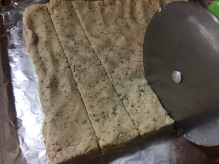 cutting mixture with pizza cutter