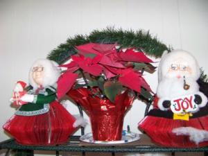RE: Mr. and Mrs. Santa - Made from Reader's Digest Magazines