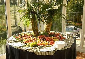 how to create a palm tree centerpiece thriftyfun rh thriftyfun com palm tree centerpiece for sale palm tree centerpieces for baby shower