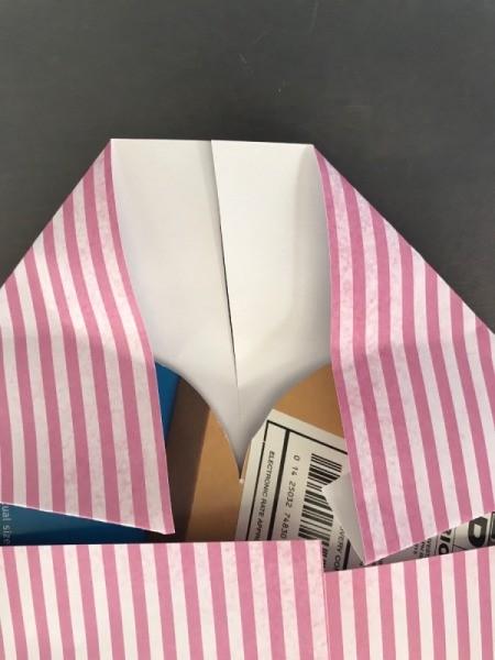 Geometric Paper Heart Decor - cut a slit in the paper