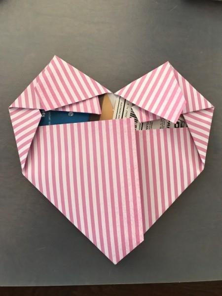 Geometric Paper Heart Decor - finish folding the paper