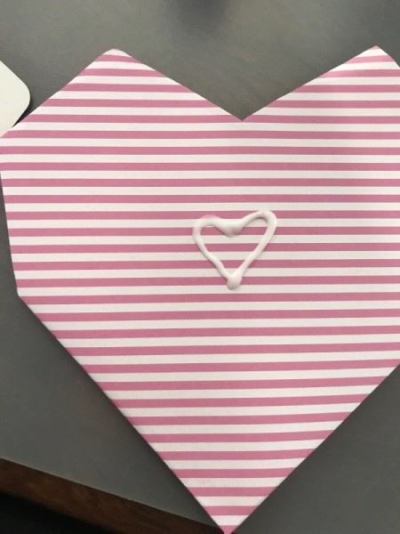 Geometric Paper Heart Decor - decorate with glue and twine