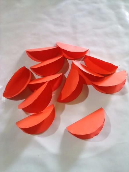 Making Folded Circle Paper Flowers - folded circles