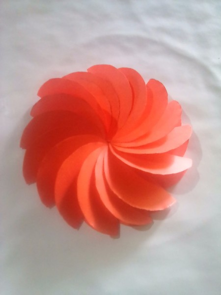 Making Folded Circle Paper Flowers - all circles attached