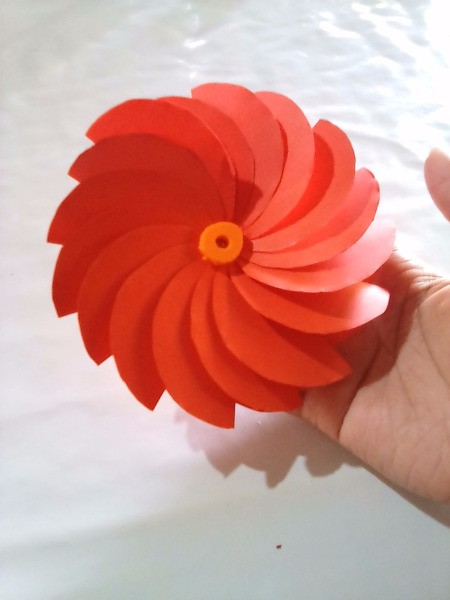Making Folded Circle Paper Flowers