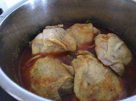adding tomato paste to pressure cooker