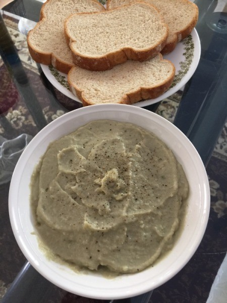 Artichoke Spread and bread