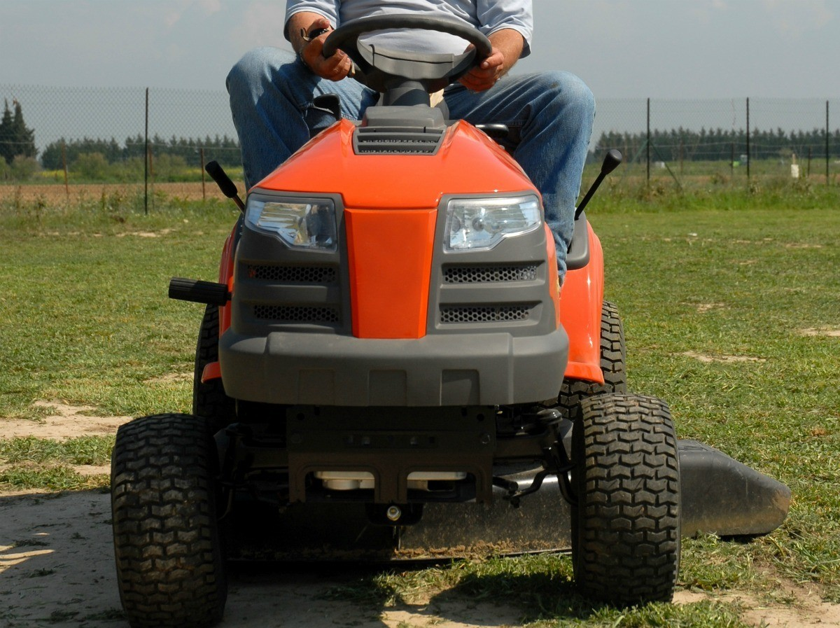 Riding Mower Won't Start After Hitting Gravel | ThriftyFun