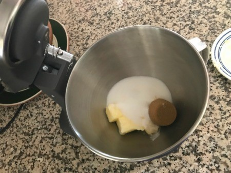 sugar and butter ready to blend