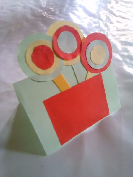 Simple Flowers with Paper Vase - finished kids' paper flower and vase project