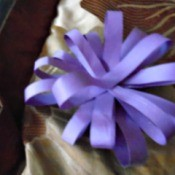 Making Pretty Paper Bows - finished bow without the center adornment