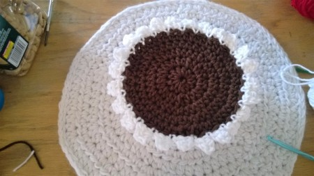 Calorie Free Crochet Cake Decoration - when scallop row is done it is time to attach to the brown top