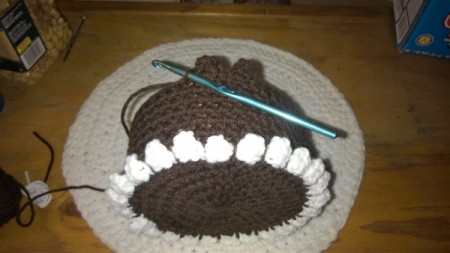 Calorie Free Crochet Cake Decoration - make a row of brown scallops to use in attaching to the box