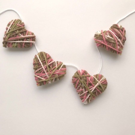 Yarn Heart Garland Decoration