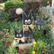 Scrap wood painted Halloween cats.