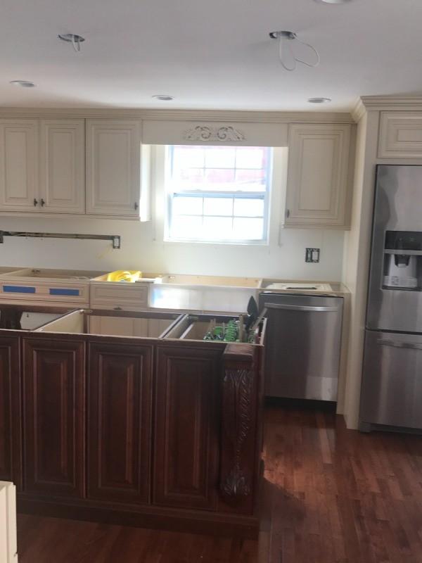 Choosing a Kitchen Sink Color | ThriftyFun