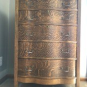 Pricing Antiques to Sell - 5 drawer antique dresser