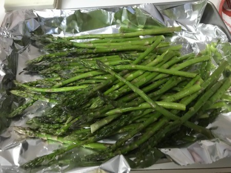 Asparagus on foil to roast