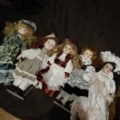 Identifying a Porcelain Doll - 5 dolls