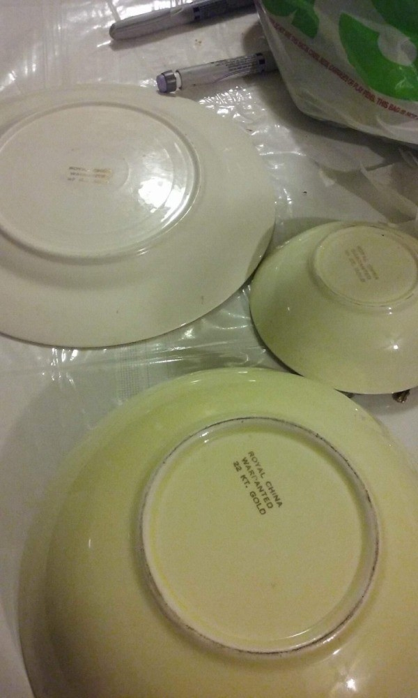 Question Determining the Value of China Plates & Appraising China | ThriftyFun