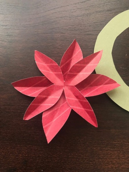 Christmas Wreath and Tree Holiday Card - repeat to make a second flower to glue on top of first