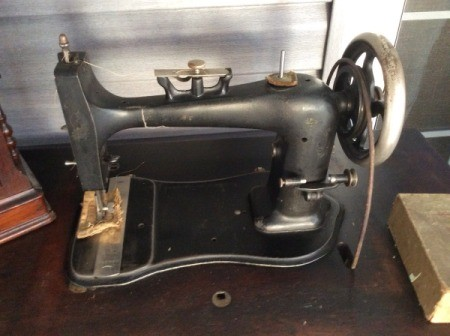 Age and Value of a New Domestic Treadle Machine S#725846