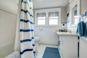 Blue and white decorated bathroom.