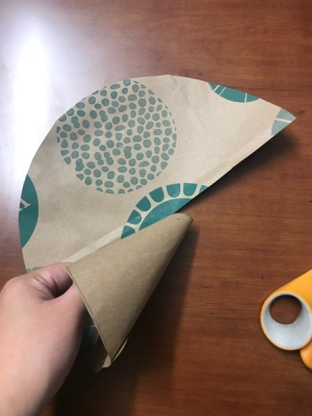 Christmas Tea Tree  - begin rolling paper to create cone