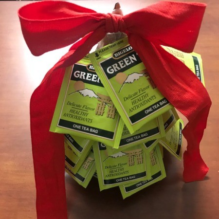 Christmas Tea Tree - finished tea tree with green tea packages