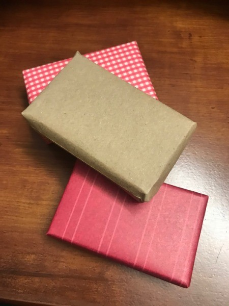 Present Wreath - three wrapped boxes
