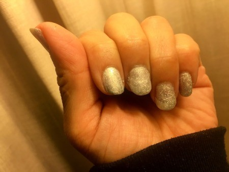 String of Lights Nail Art - paint nails white or silver and let dry