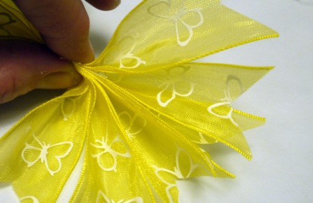 Pleated Ribbon Brooch - arrange the ribbons together