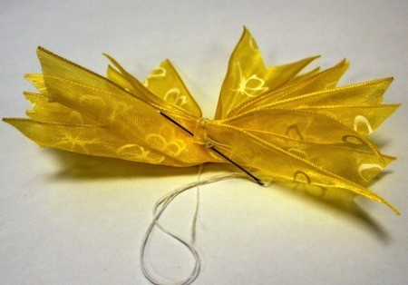 Pleated Ribbon Brooch - sew them together with a back stitch