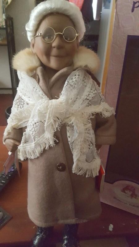 Value of Porcelain Dolls - elderly female doll