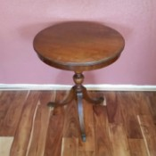 Value of True Grand Rapids Imperial Mahogany Table - three legged pedestal table