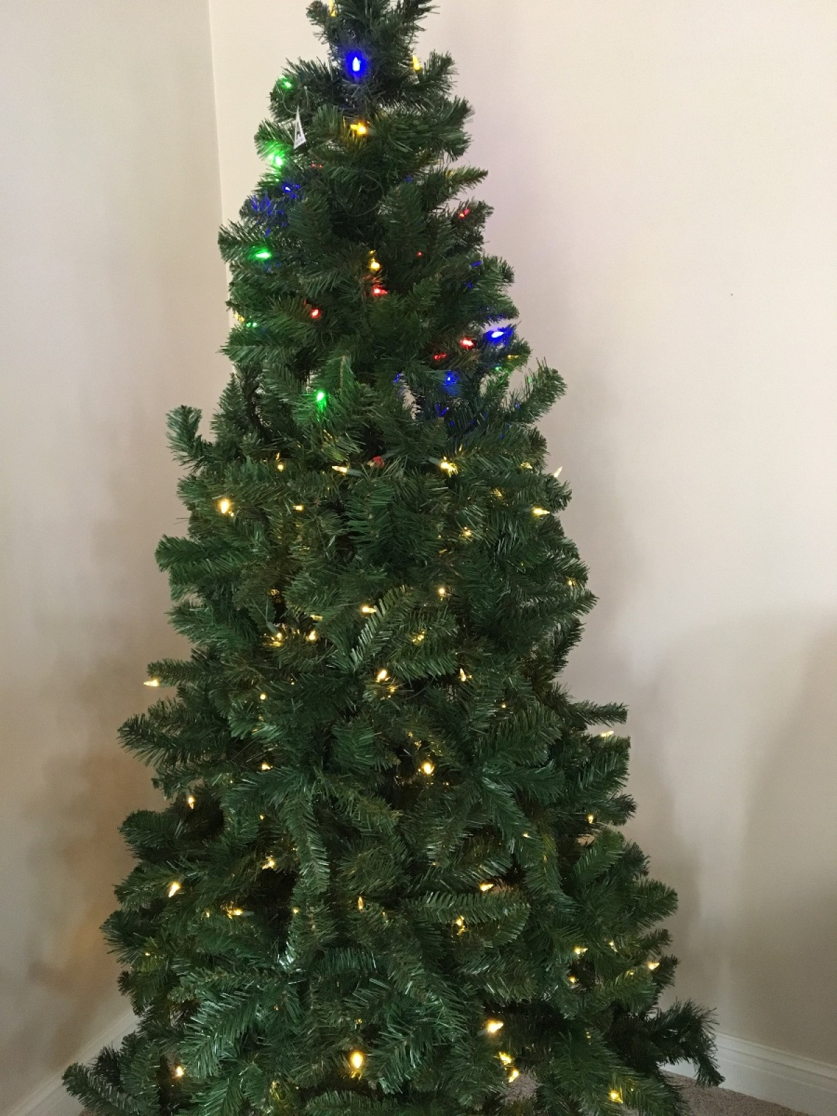 Setting Up A Pre Lit Christmas Tree Thriftyfun
