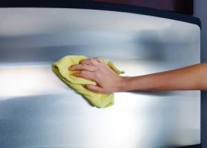 Wiping Stainless Steel with Cloth and Vinegar