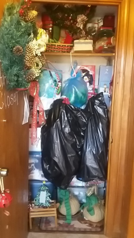 Packing Christmas Decorations and Storage