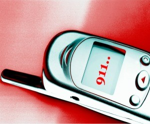 Older Cell Phone Dialing 911