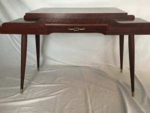 Identifying a Vintage Table - dark wood table with spindle legs
